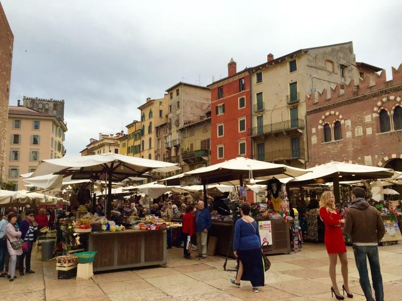 Piazza Eerbe Verona