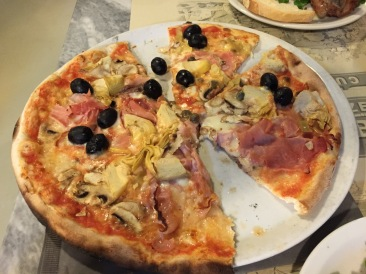 Pizza at Fabricca